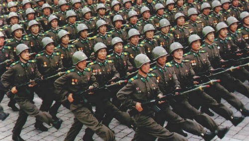 north korean army, soldiers marching