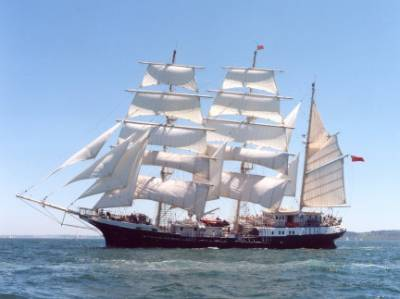 glad friend sailing ship
