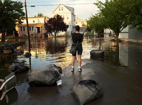 flood, city, women