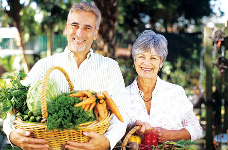 eat right, vegetables, older couple
